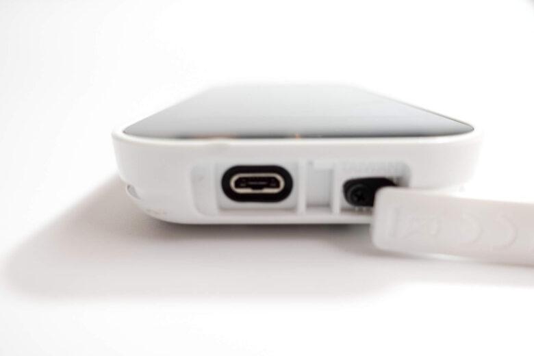 ガーミンApproach G80充電端子