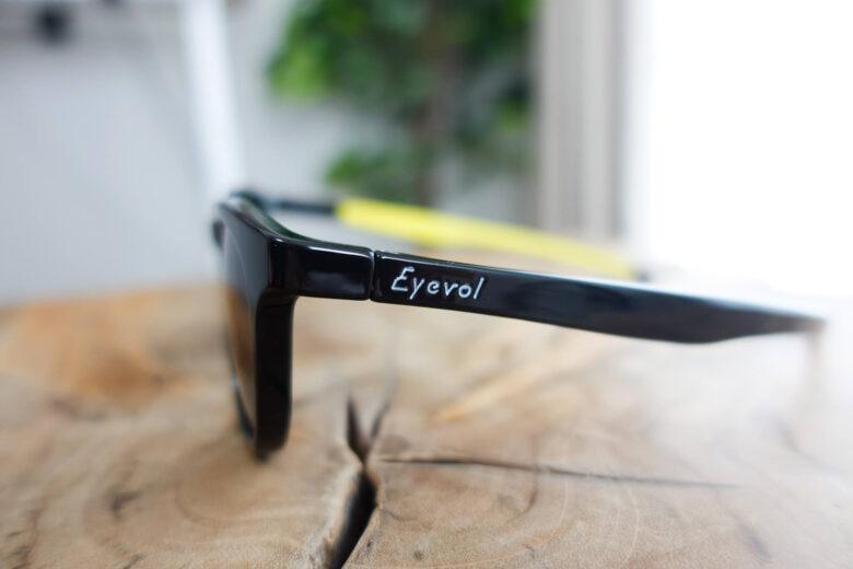 Eyevol CONLON3のサイドロゴ
